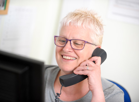 Sue from Boundary Vets contacting a customer